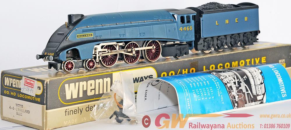 Wrenn 00 Gauge Model Locomotive w2210 Gresley a4