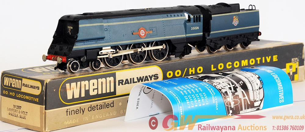 Wrenn 00 Gauge Model Locomotive w2267 Bulleid