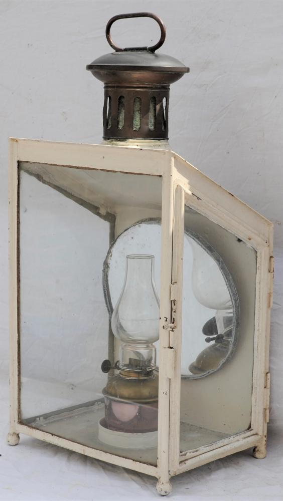 LMS Station Lamp Complete With Interior And