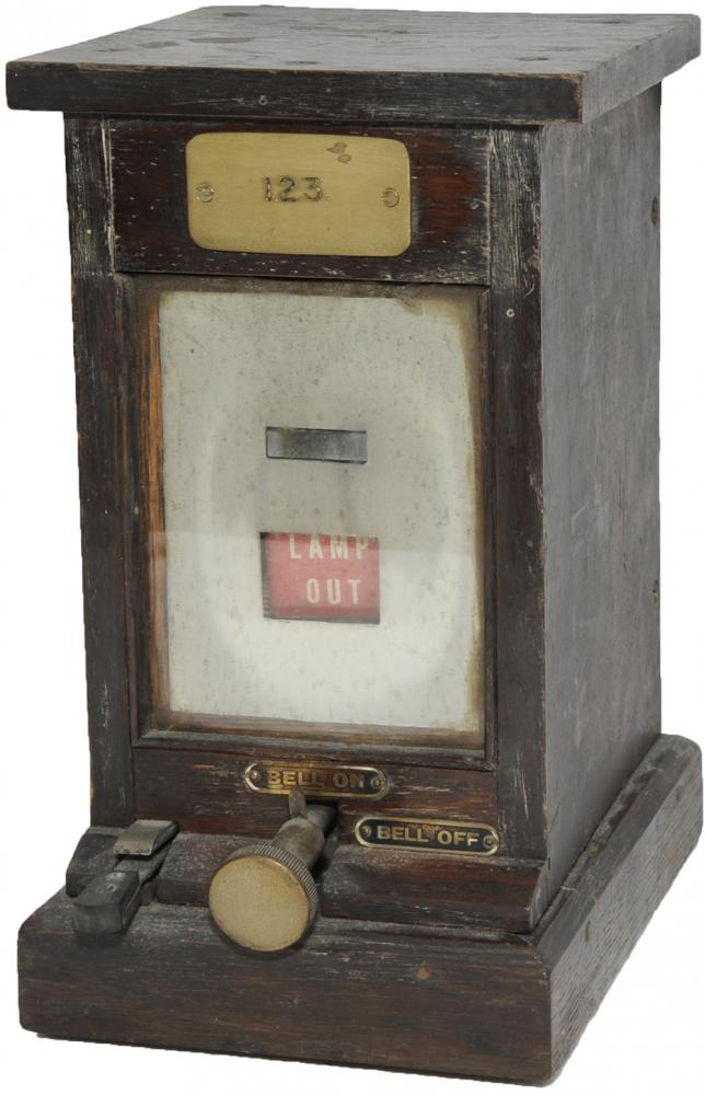 A Trio Of GWR R.E Thompson Mahogany Cased Lamp