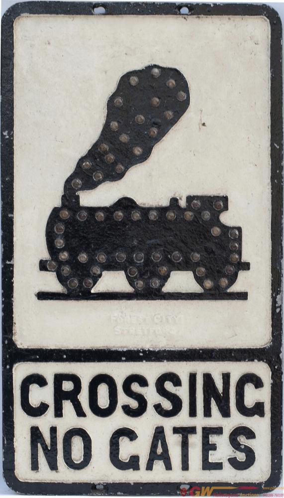 Cast Aluminium Road Sign CROSSING NO GATES 0-6-0
