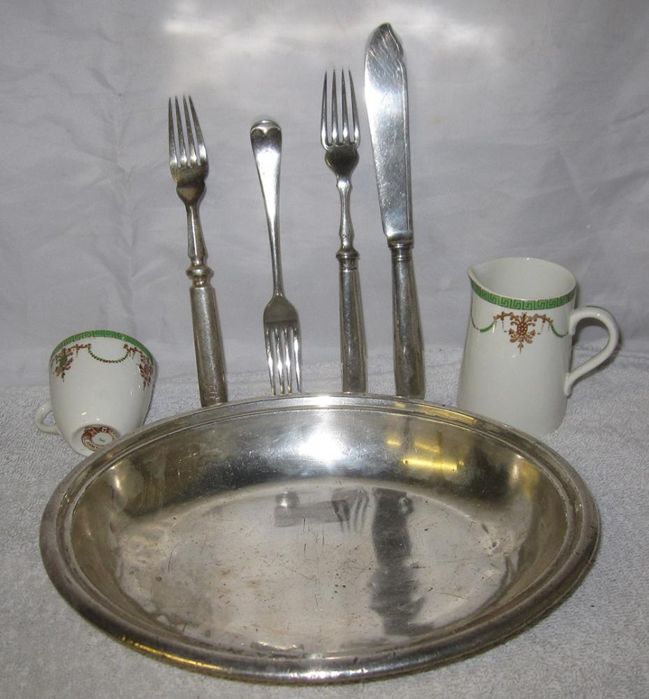 A Quantity Of Southern Rly Dining Ware Consisting