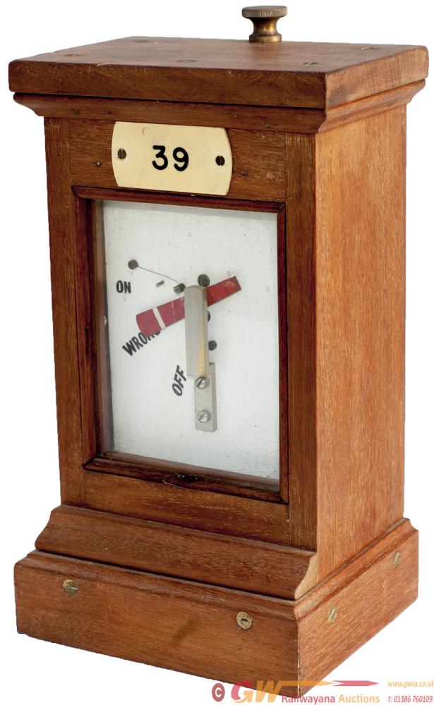 GWR Mahogany Cased Home Signal Repeater. In