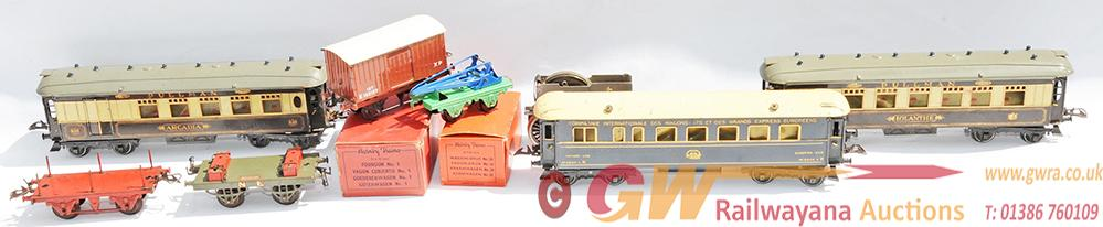 Hornby 0 Gauge Tinplate Carriages, Qty 3