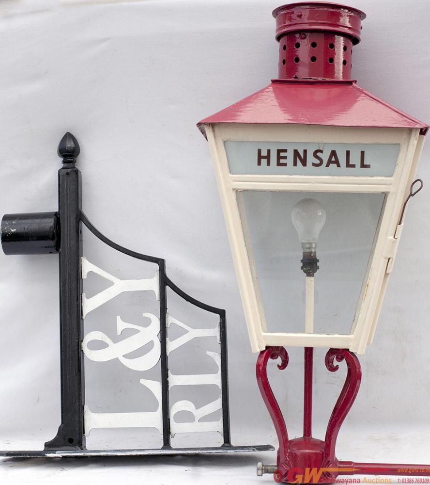 LYR Platform Lamp With Glass Lamp Tablet HENSALL.