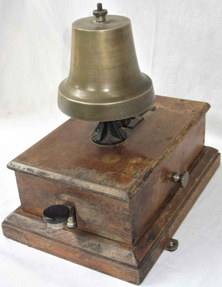 BR(W) Thompson BLOCK BELL Fitted With Church Bell.