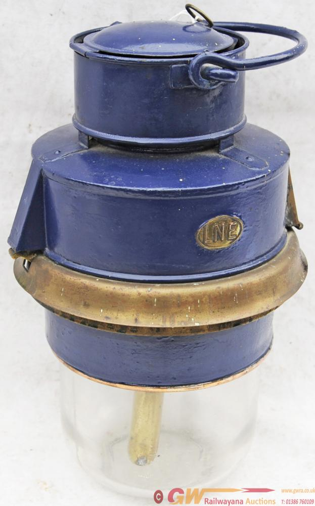 LNER Horsebox Pot Lamp Carrying An Oval Brass LNE