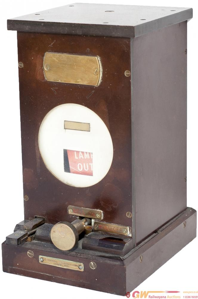 GWR Bakelite Cased LAMP IN LAMP OUT Indicator With