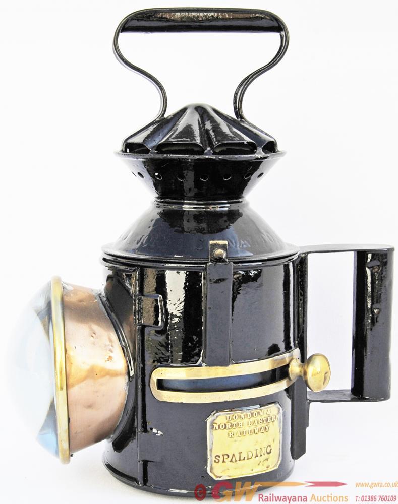 GER Sliding-Knob Single Pie-Crust Handlamp With