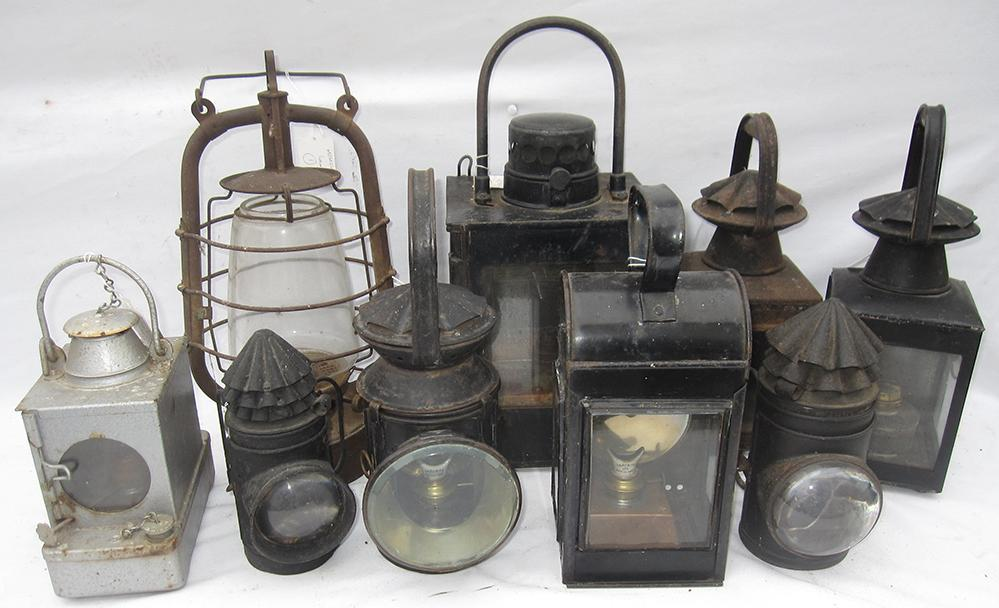 A Lot Containing A Collection Of 9 X Miscellaneous