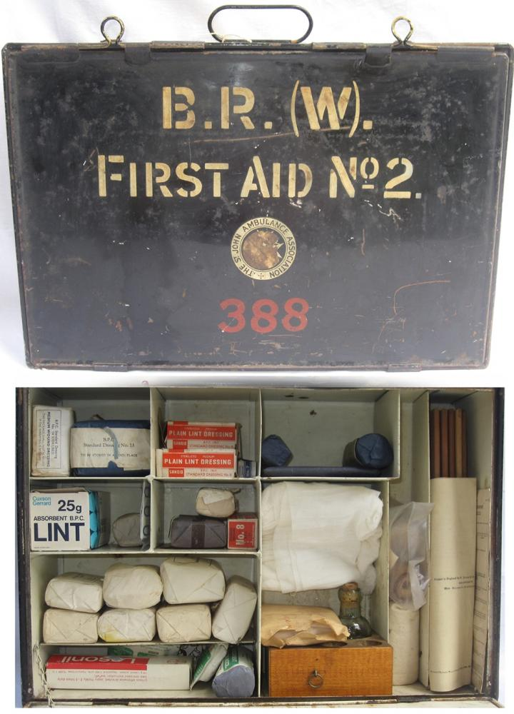 BR(W) n0 2 FIRST AID Cabinet 388 Containing