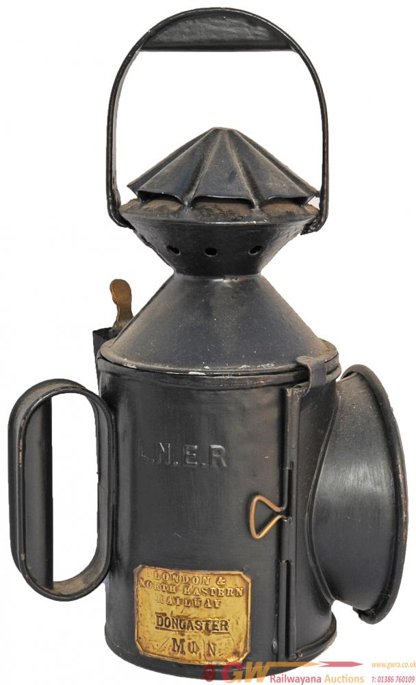 LNER 3 Aspect Handlamp NER Single Piecrust