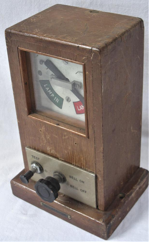 BR(W) 1947 Lamp Repeater With Bell On/Off Switch
