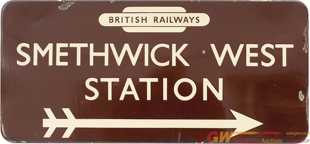 BR(W) FF Station Direction Sign SMETHWICK WEST