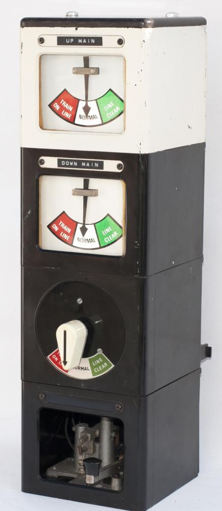 BR Double Line Penguin Block Instrument Missing - Signal Box