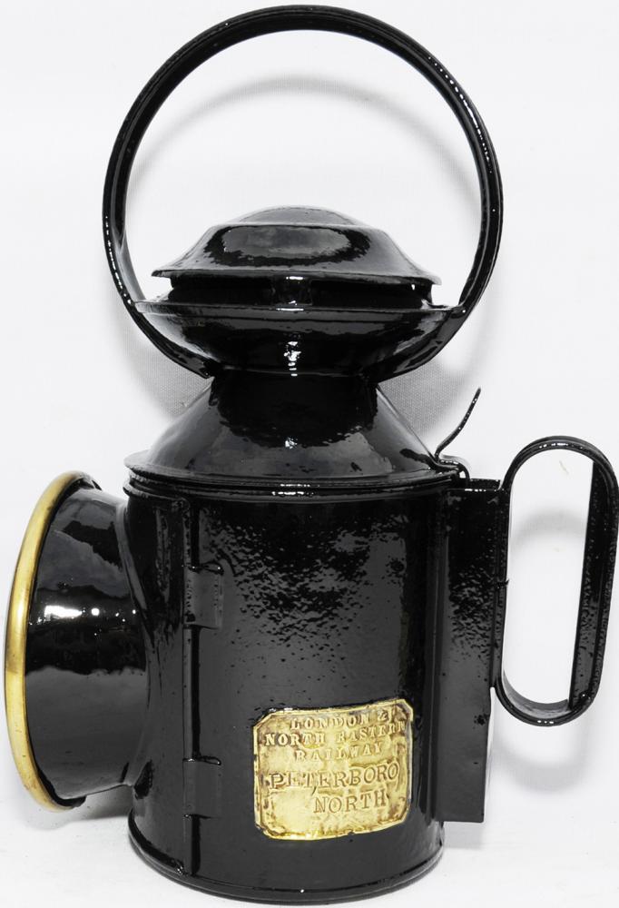 LNER Saucer-Top Handlamp With Brass Plate