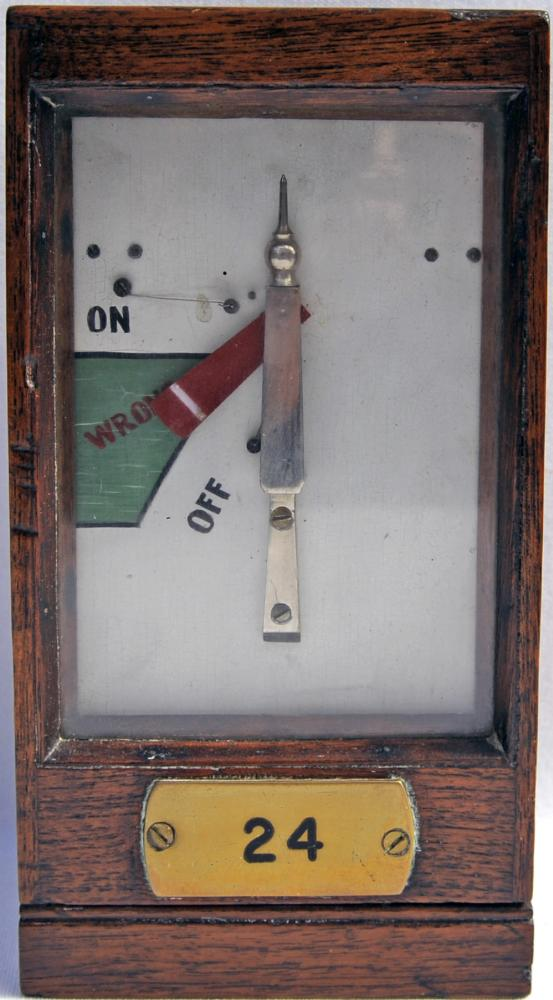 GWR Wood Cased Home Signal Repeater Manufactured