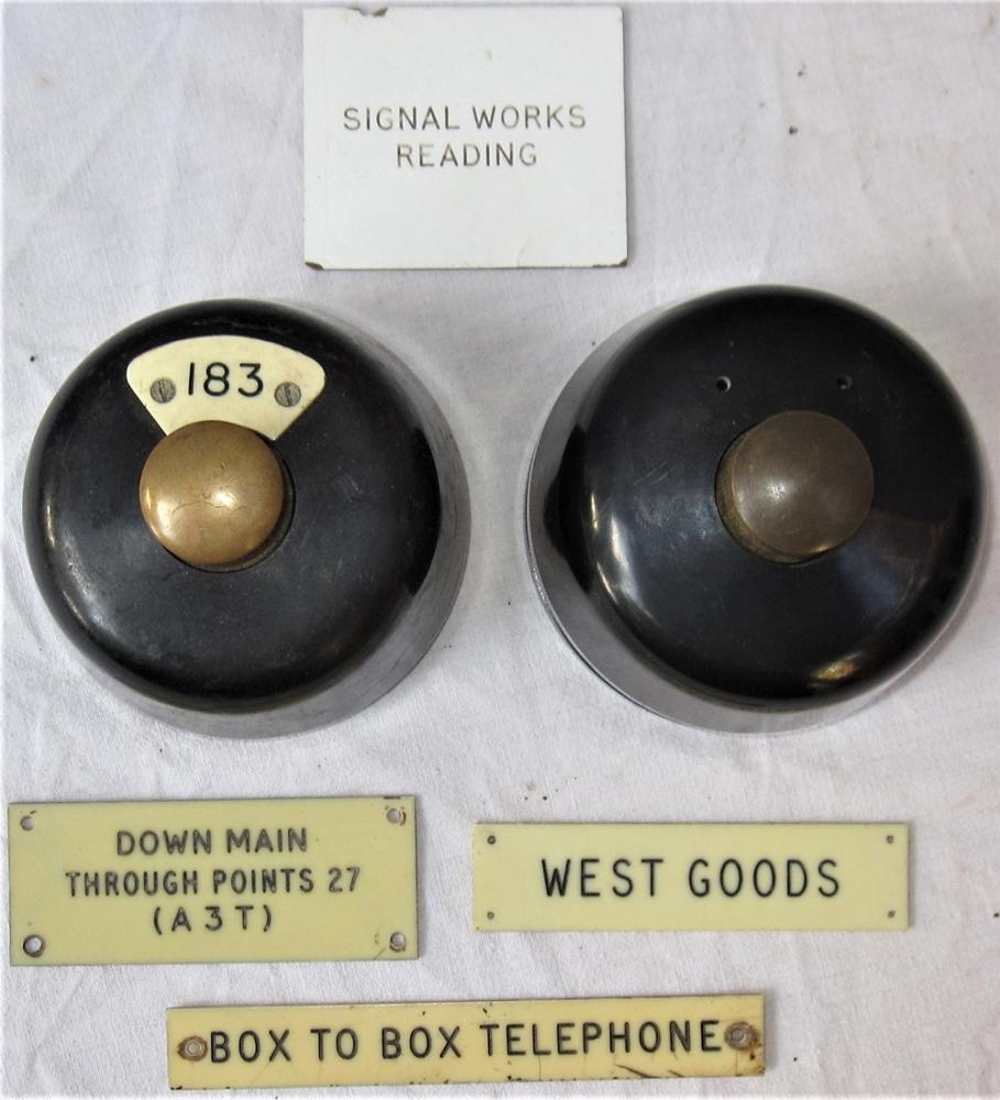 2 X BR(W) Bakelite Plungers Recovered From READING