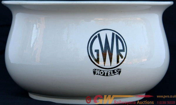 GWR Hotels Chamberpot With ' GWR HOTELS' In