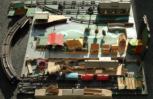 O Gauge Layout With 2 Working Hornby Tinplate,