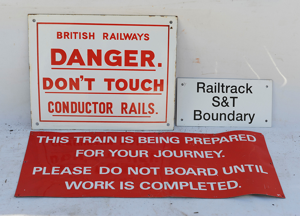 BR Enamel Danger Do Not Touch Conductor Rails