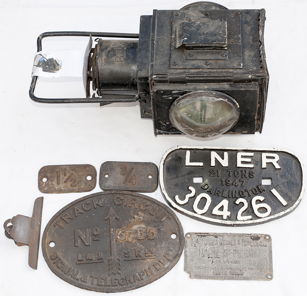 LNER D Wagonplate Together With Track Circuit