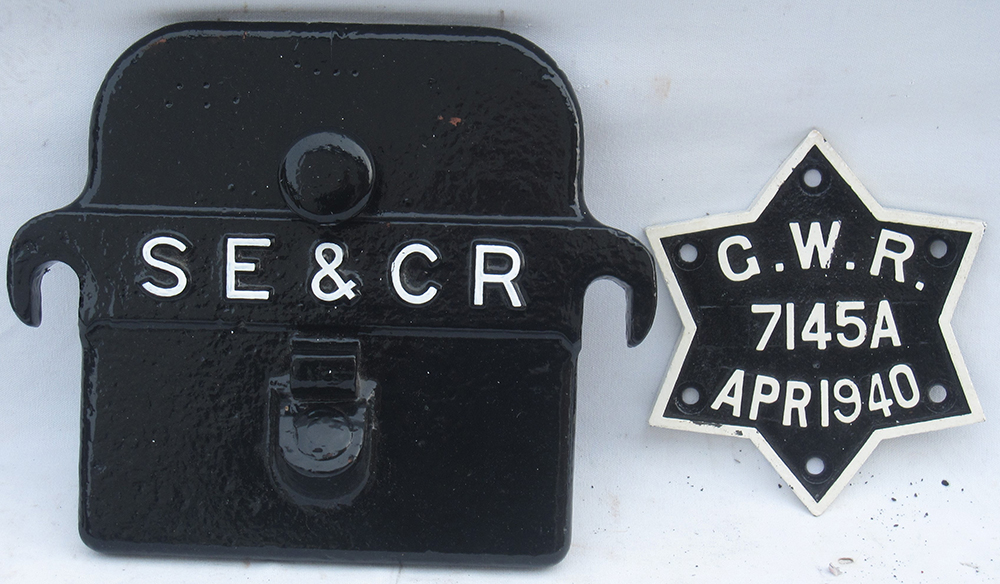 SECR Cast Iron Axle Cover Together With A GWR Star