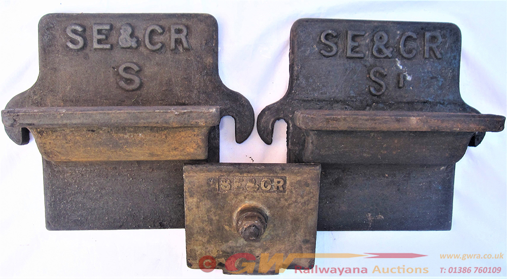2 X SE&CR Axle Cover Plates Together With Another
