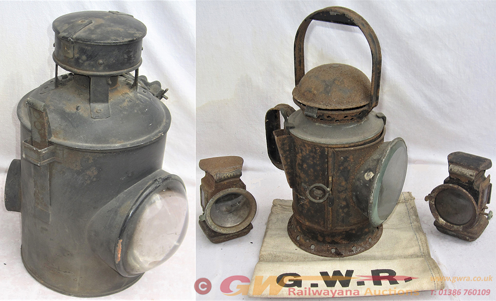 A Lot Containing 1 X GWR Hand Lamp Minus Interior
