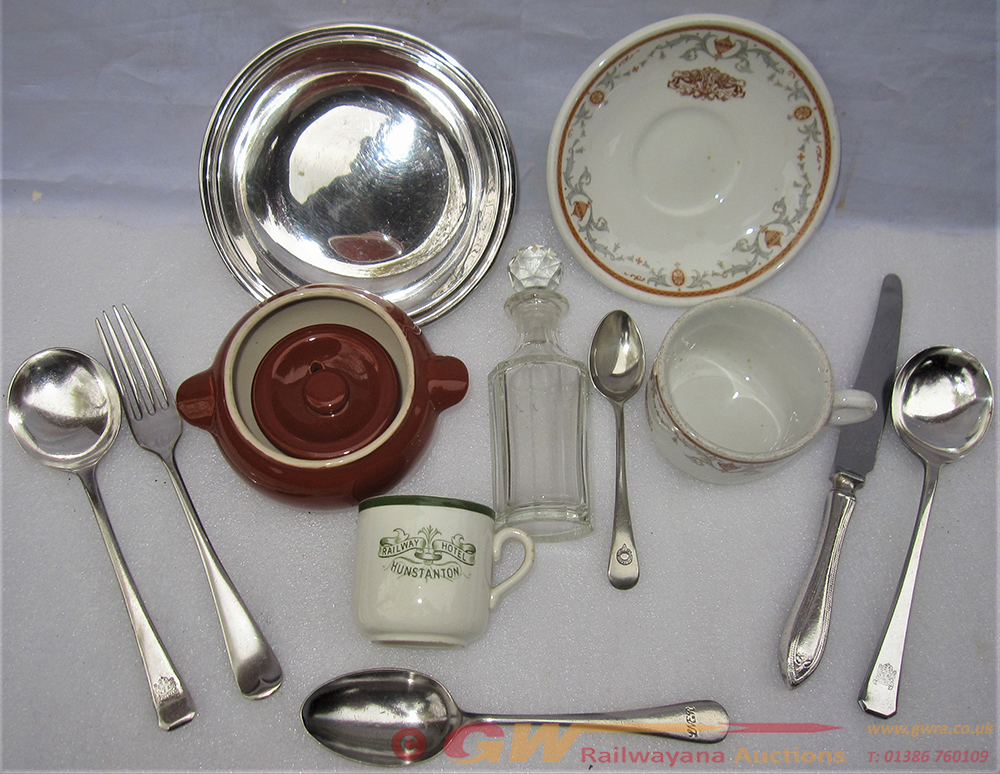 A Sundry Lot Containing Various Pieces Of Pullman