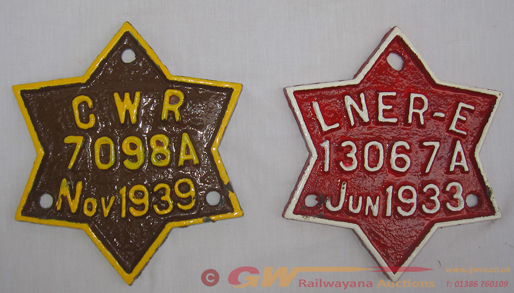 2 X Star Wagon Plates. GWR 7098a Together With
