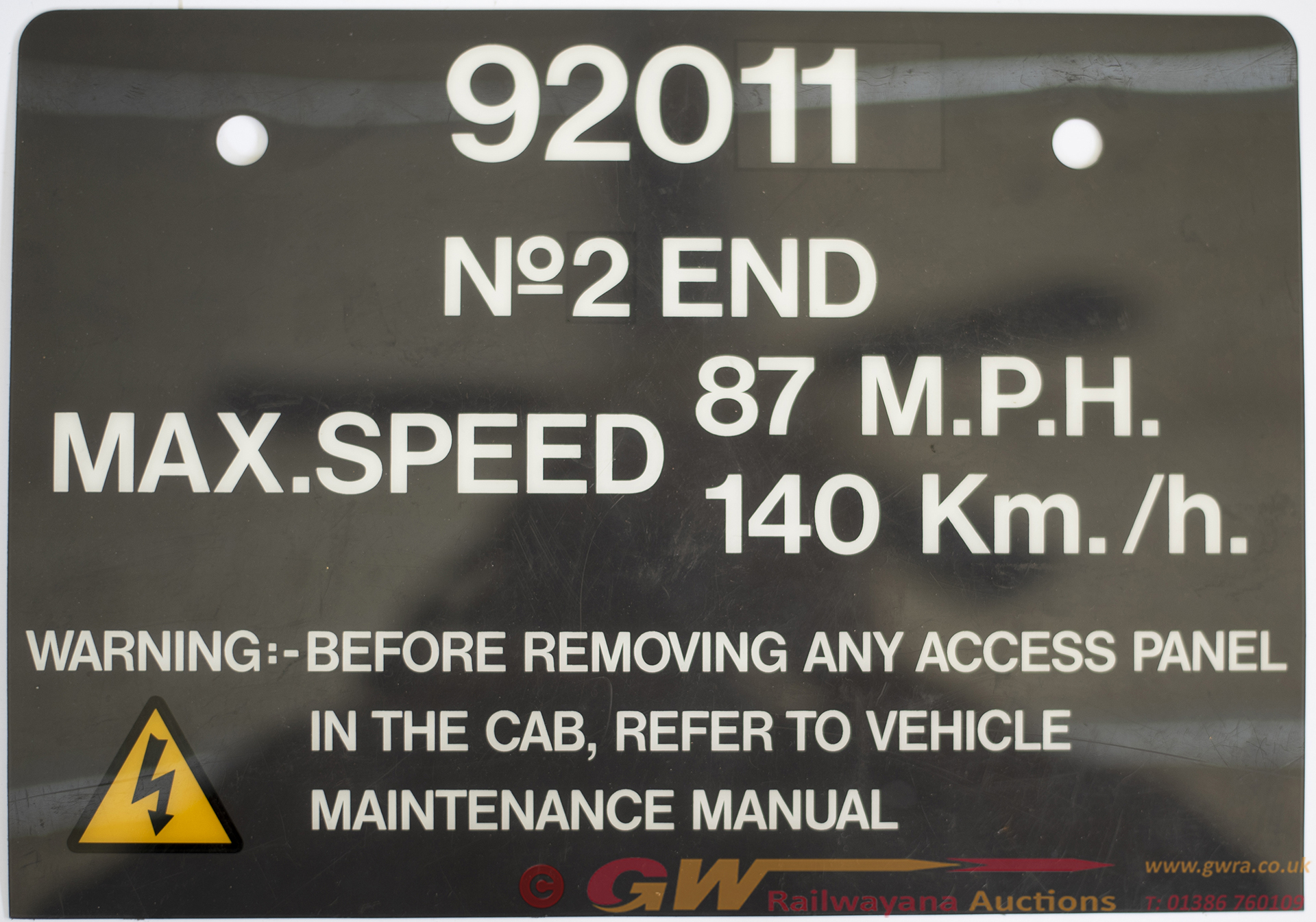 <P>Cab Plate 92011 no2 END MAX SPEED 87 MPH 140