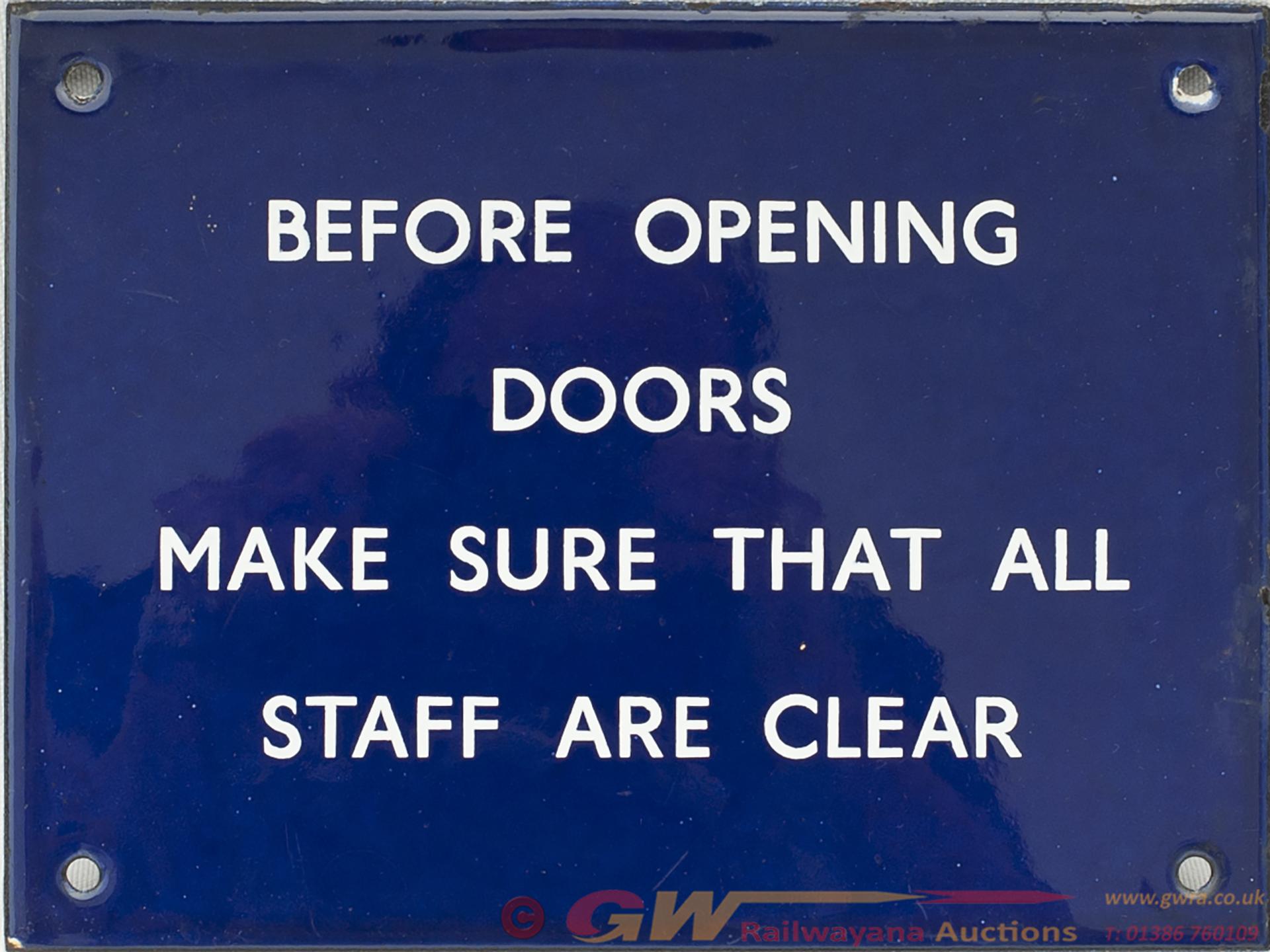 BR(E) Enamel BEFORE OPENING DOORS MAKE SURE ALL