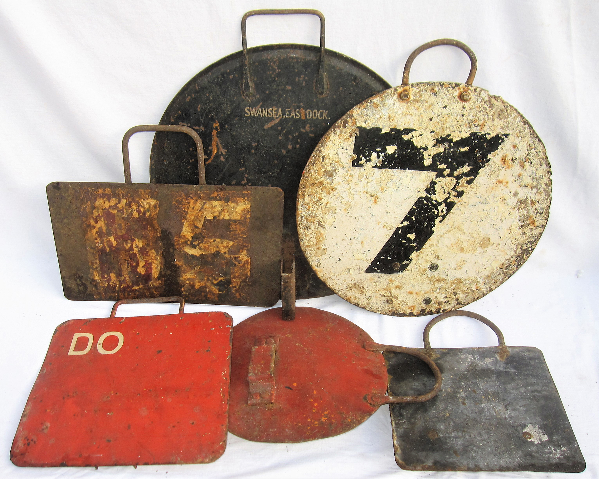 A Lot Containing A Collection Of Locomotive Head
