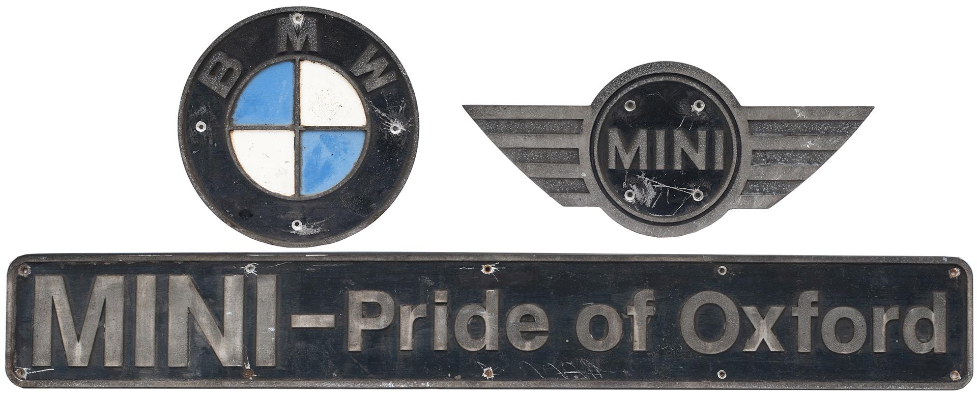 Nameplate MINI PRIDE OF OXFORD + BMW Circular And